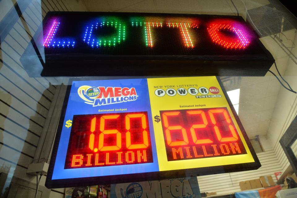 В США сорван рекордный джекпот — 1,6 миллиарда долларов