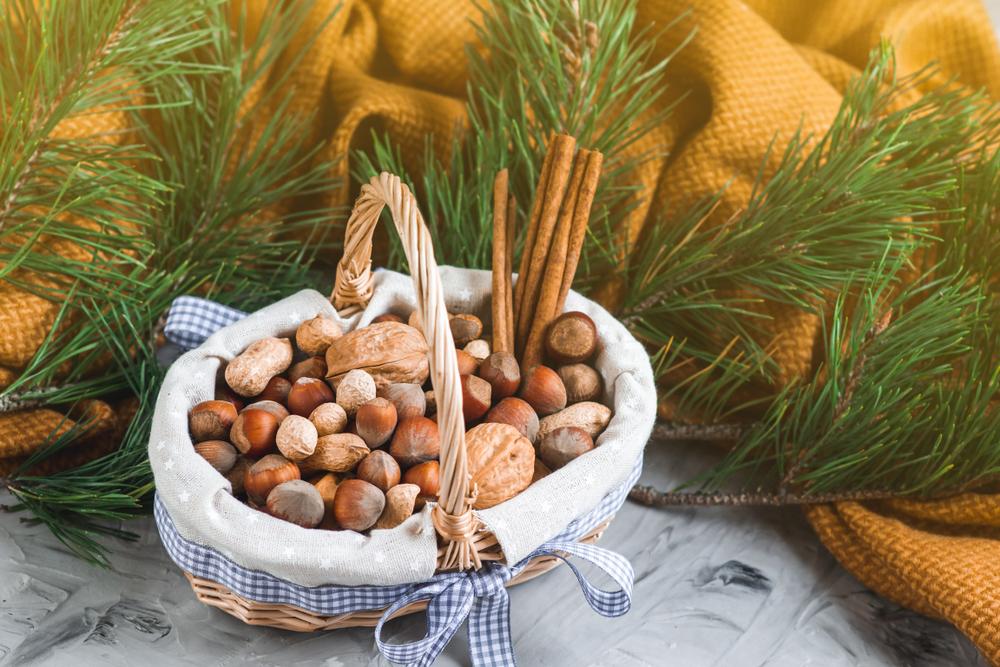В Эстонии чиновникам разрешили получать в подарок орехи.Вокруг Света. Украина