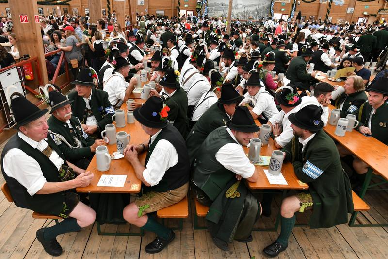 Юбилейный Октоберфест в Мюнхене: счет на миллионы