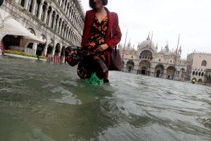 Ливни в Италии: Венеция ушла под воду, а Помпеи закрыли