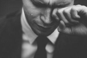 Плач помогает бороться со стрессом: ученые