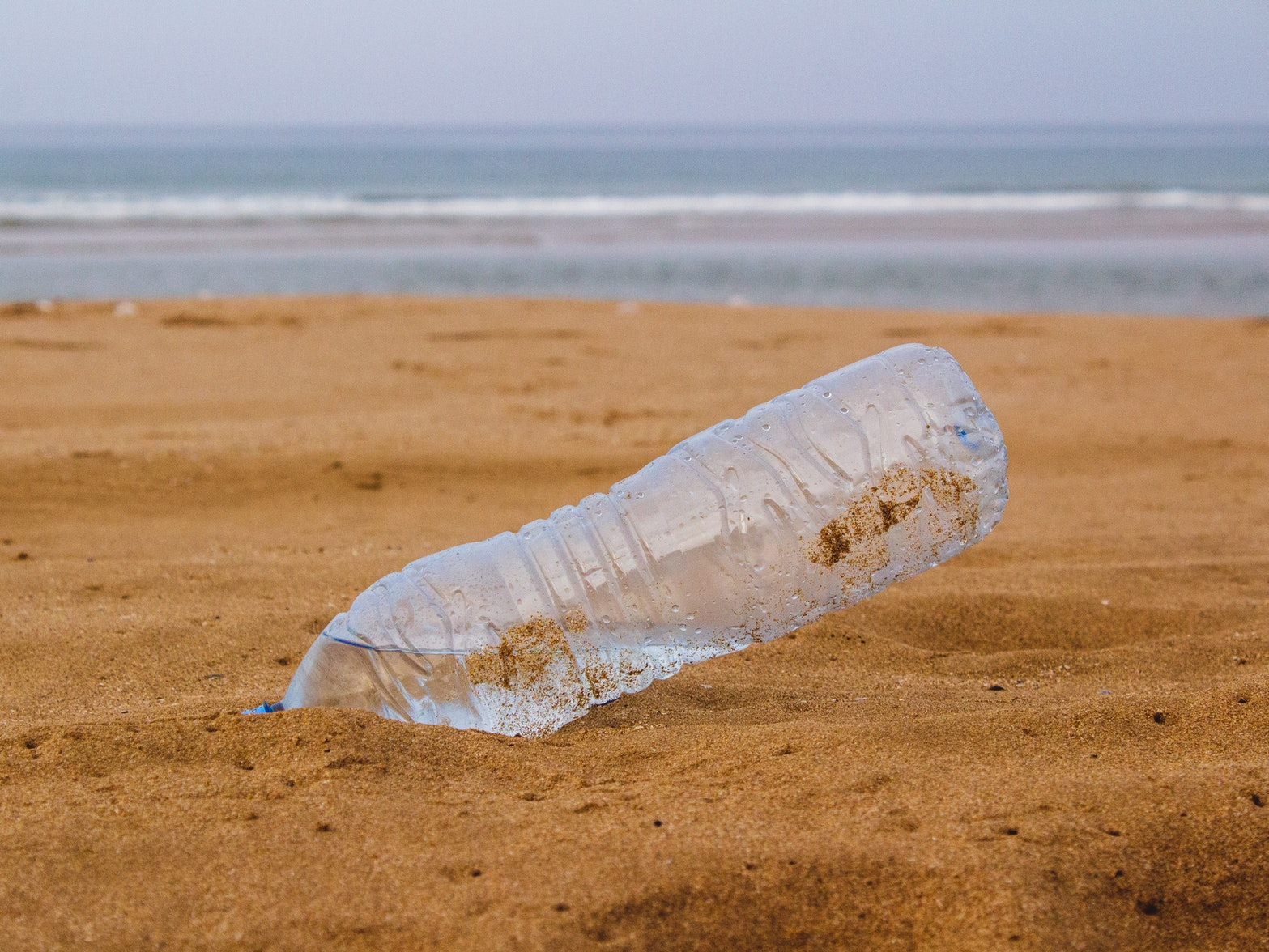 10 компаний, которые производят больше всего пластикового мусора