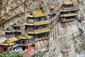 В Китае открыли после ремонта «Висячий монастырь»