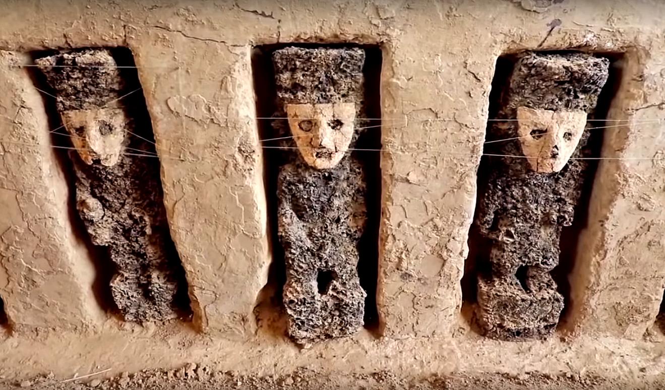 Археологи нашли в Перу 20 статуй возрастом 800 лет
