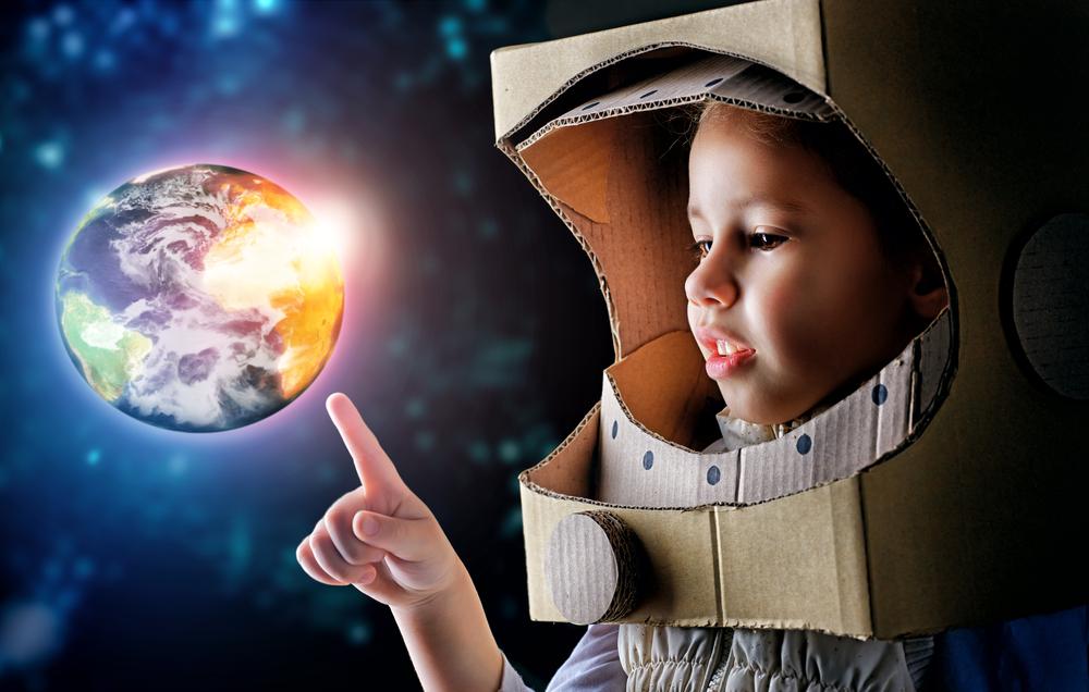 Ученые ищут женщин, согласных на роды в космосе