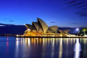 Сиднейскую оперу превратят в гигантский рекламный щит: австралийцы против