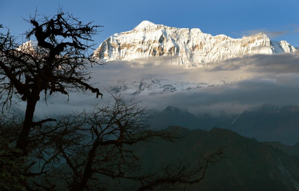 Группа альпинистов погибла в Непале при сходе лавины.Вокруг Света. Украина
