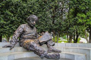 Высказывание Энштейна о боге выставили на торги