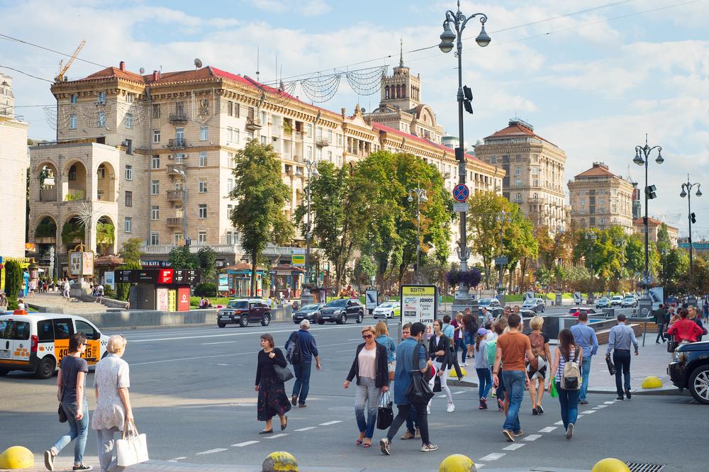 Какими деревьями засадят главную улицу Киева.Вокруг Света. Украина