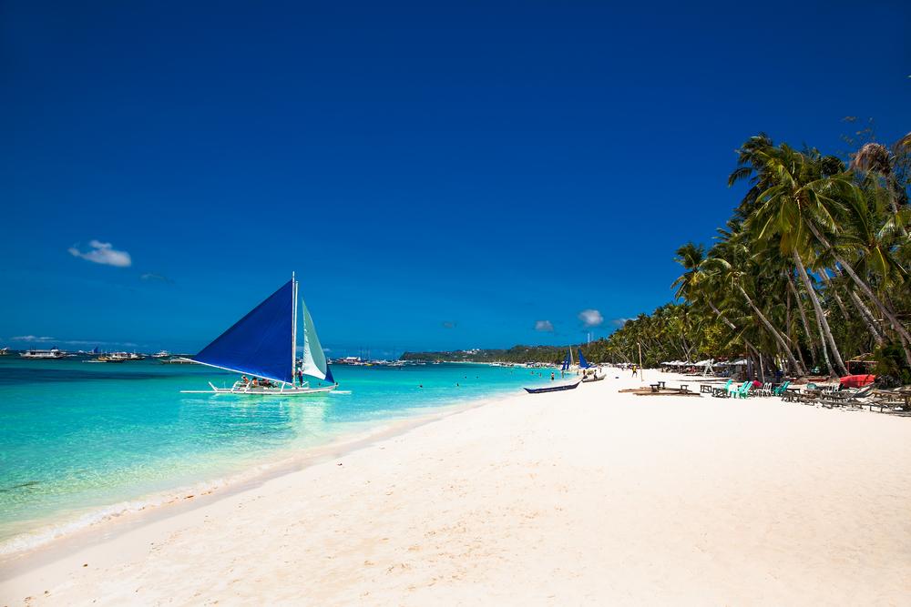 По новым правилам: остров Боракай на Филиппинах снова открыли для туристов