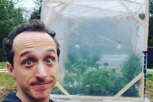 Блогер провел 15 часов без воздуха и выжил