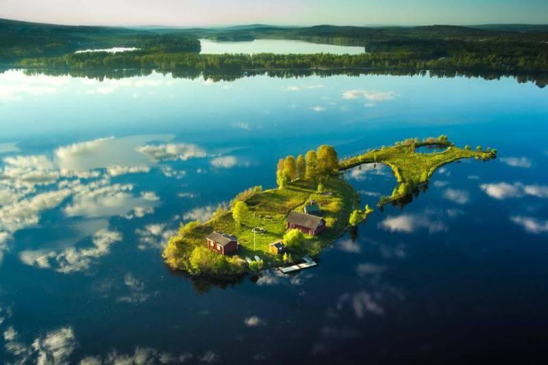 Четыре поры финского острова Долгий Камень