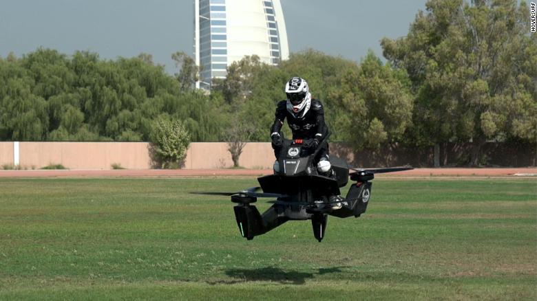 Полиция Дубая тестирует летающие мотоциклы (видео)