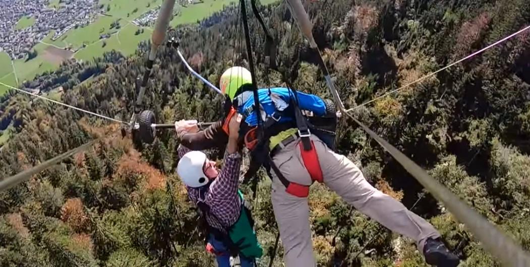 Первый полет туриста на дельтаплане превратился в борьбу за жизнь — видео.Вокруг Света. Украина