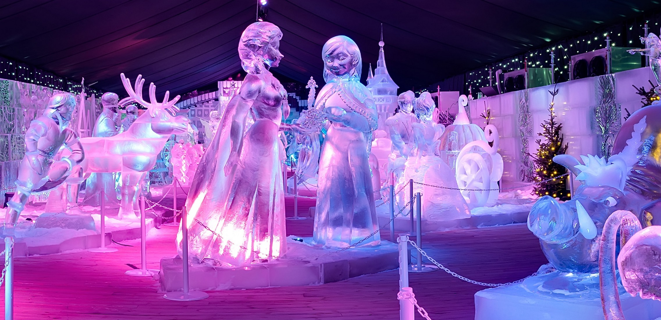 В Брюгге открылась выставка ледяных скульптур