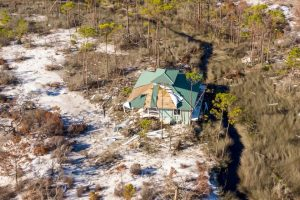 В США ураган перенес дом на другое место