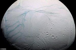 NASA готовит полет к спутнику Сатурна Энцеладу