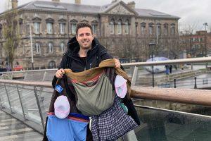Все свое ношу с собой: британец придумал, как перехитрить Ryanair и не платить за багаж