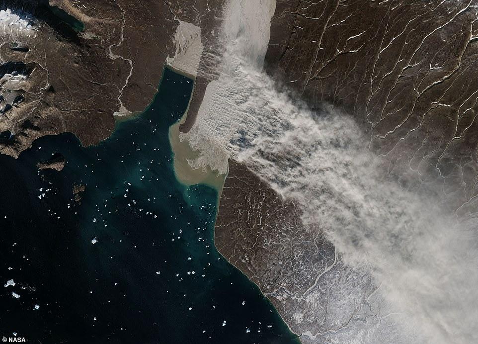 Ледниковая мука: NASA показало пыльную бурю над Гренландией.Вокруг Света. Украина