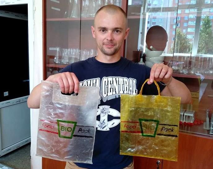 Украинец изобрел съедобные пакеты и победил в международном конкурсе