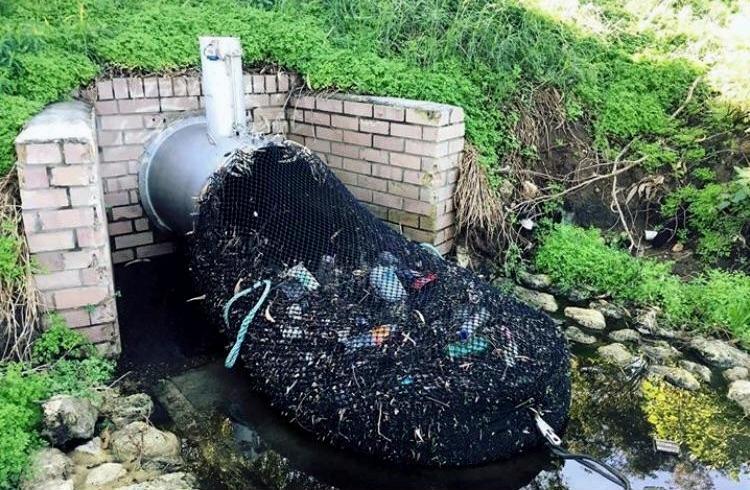 В Австралии начали просеивать воду, чтобы не загрязнять реки.Вокруг Света. Украина