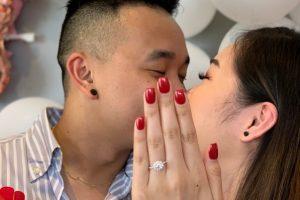 В Австралии девушка для помолвки одолжила руку подруги