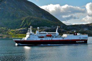 В Норвегии круизные корабли будут заправлять гнилой рыбой