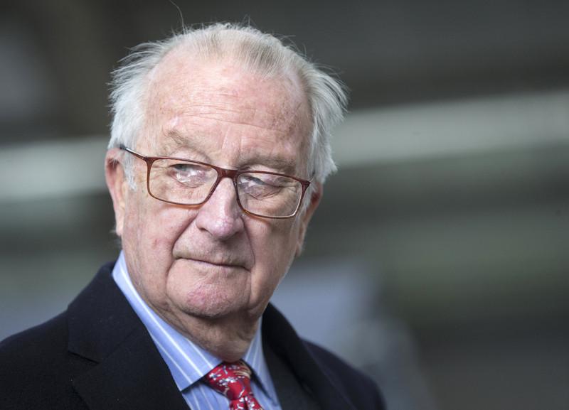 Суд обязал экс-короля Бельгии пройти тест на отцовство