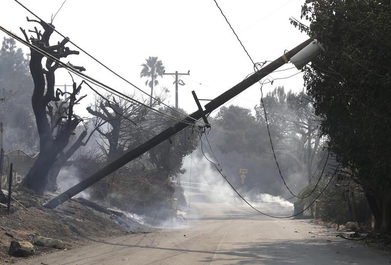В Калифорнии бушует самый разрушительный пожар в истории штата