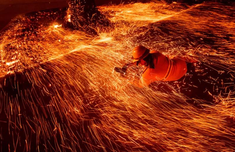 Пожар в Калифорнии: чем рискуют фотографы