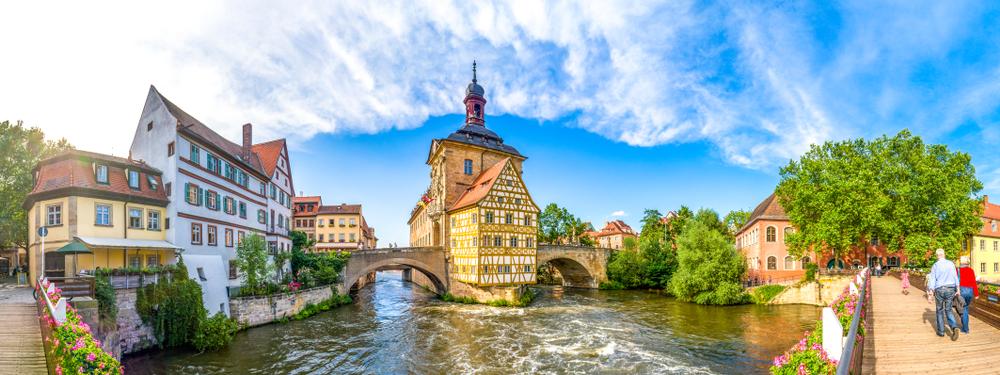 Германия с изнанки: почему немцы не любят эмигрантов и как преодолеть языковой барьер