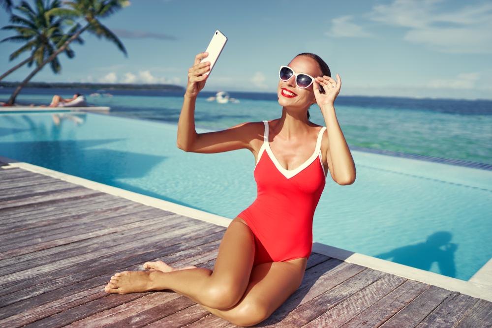 На Бали запретили фотографироваться возле бассейна