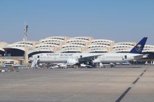 Мощный ливень затопил аэропорт Эр-Рияда