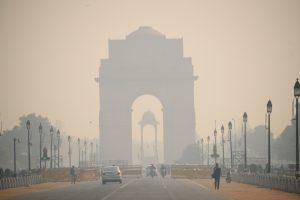 Уровень загрязнения воздуха в Дели превысил норму в 25 раз