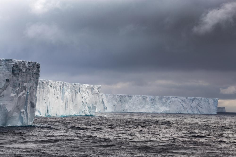 10 невероятных фактов об Антарктиде 10 невероятных фактов об Антарктиде shutterstock 797408830