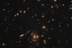Телескоп Hubble запечатлел космический смайл