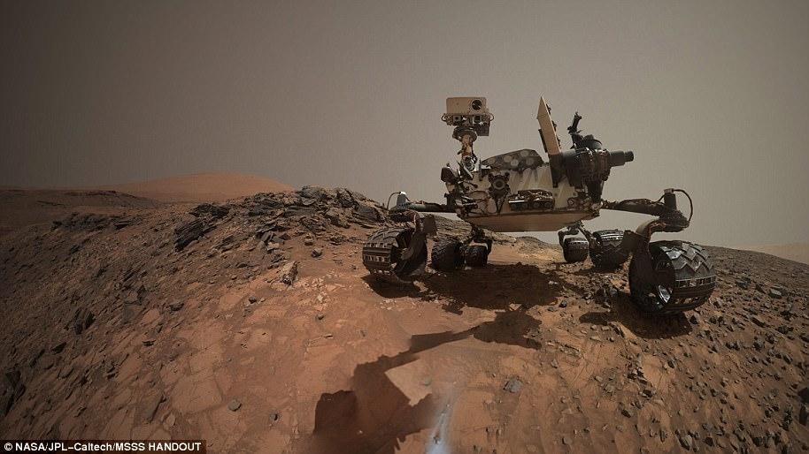 Curiosity обнаружил на Марсе странный сияющий объект