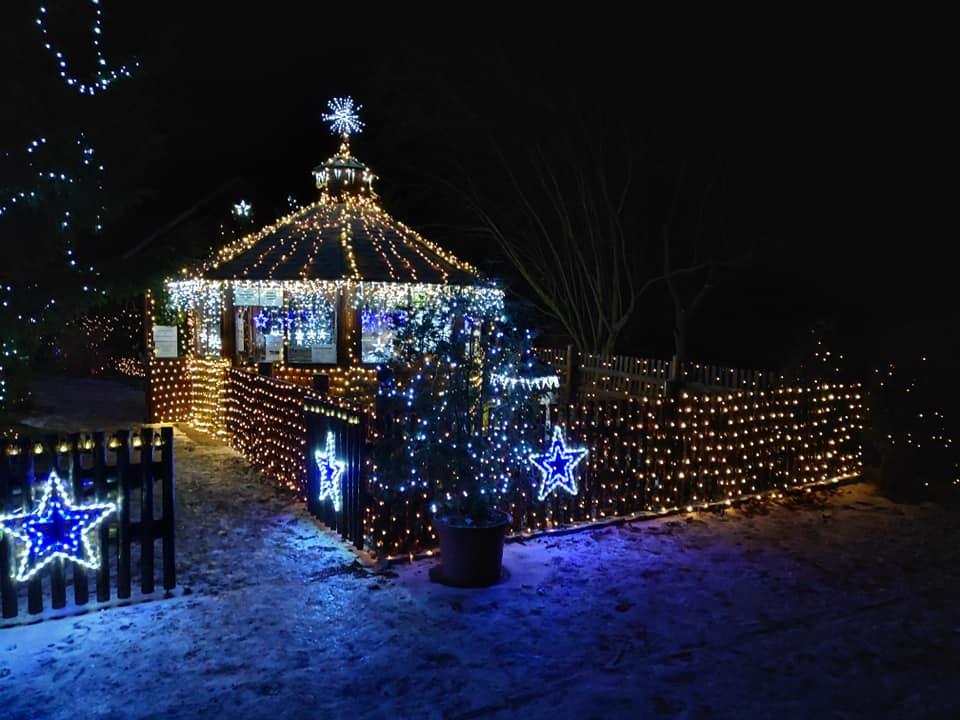 55 тысяч фонариков: чех украсил целую деревню к Рождеству.Вокруг Света. Украина