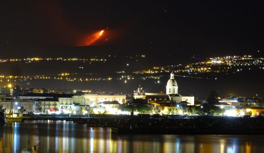 В Италии проснулся крупнейший действующий вулкан Европы