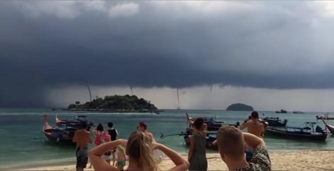 В Таиланде отдыхающих настигли сразу четыре смерча