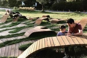 В парке Сеула появилась скамейка, созданная по компьютерному алгоритму