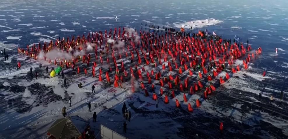 """В Китае прошли первые гонки на """"ледяных драконах"""""""