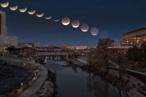 Астрономы обещают еще одно кровавое суперлуние
