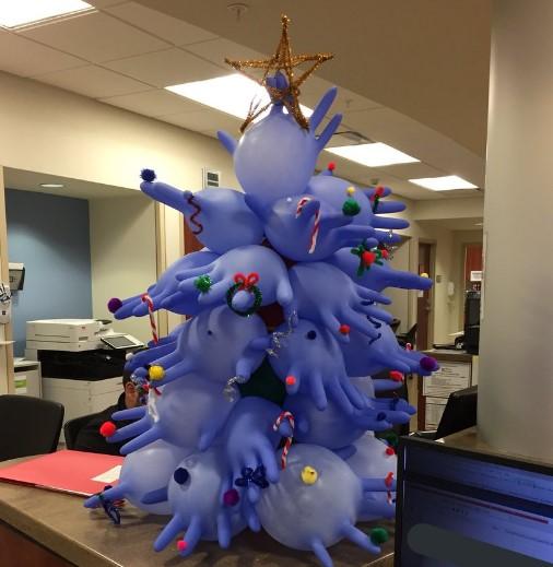 Самые странные новогодние елки из соцсетей
