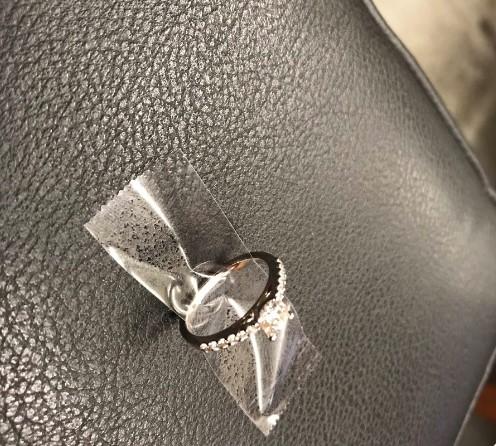Полиция Нью-Йорка ищет парня, потерявшего кольцо для помолвки