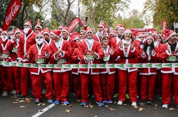 По Мадриду пробежались 7 тысяч Санта-Клаусов.Вокруг Света. Украина