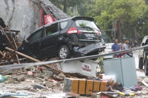 В Индонезии произошло цунами: уже около 1000 погибших и пострадавших