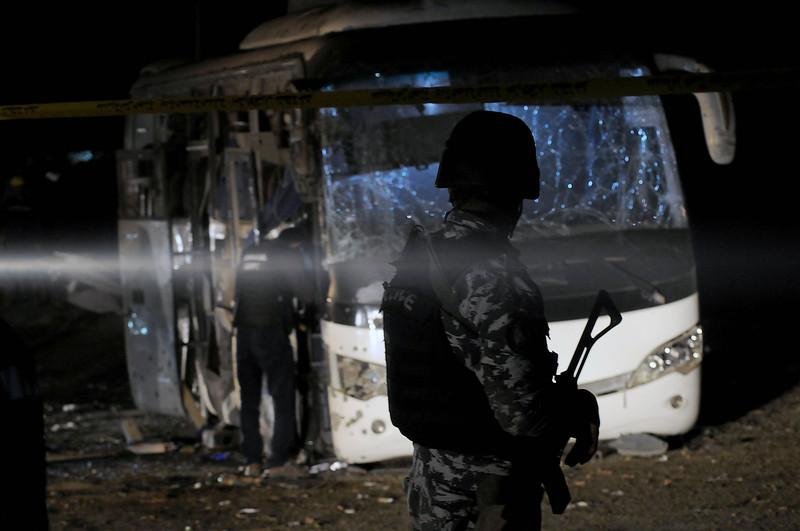 Возле пирамид в Египте взорван бомбой автобус с туристами