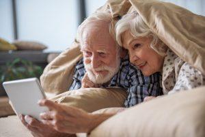 В долголетних браках юмор вытесняет ссоры