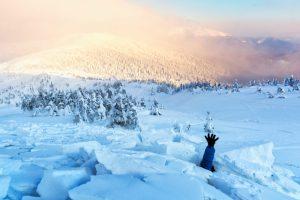 В Альпах чудом спасли ребенка, попавшего в лавину